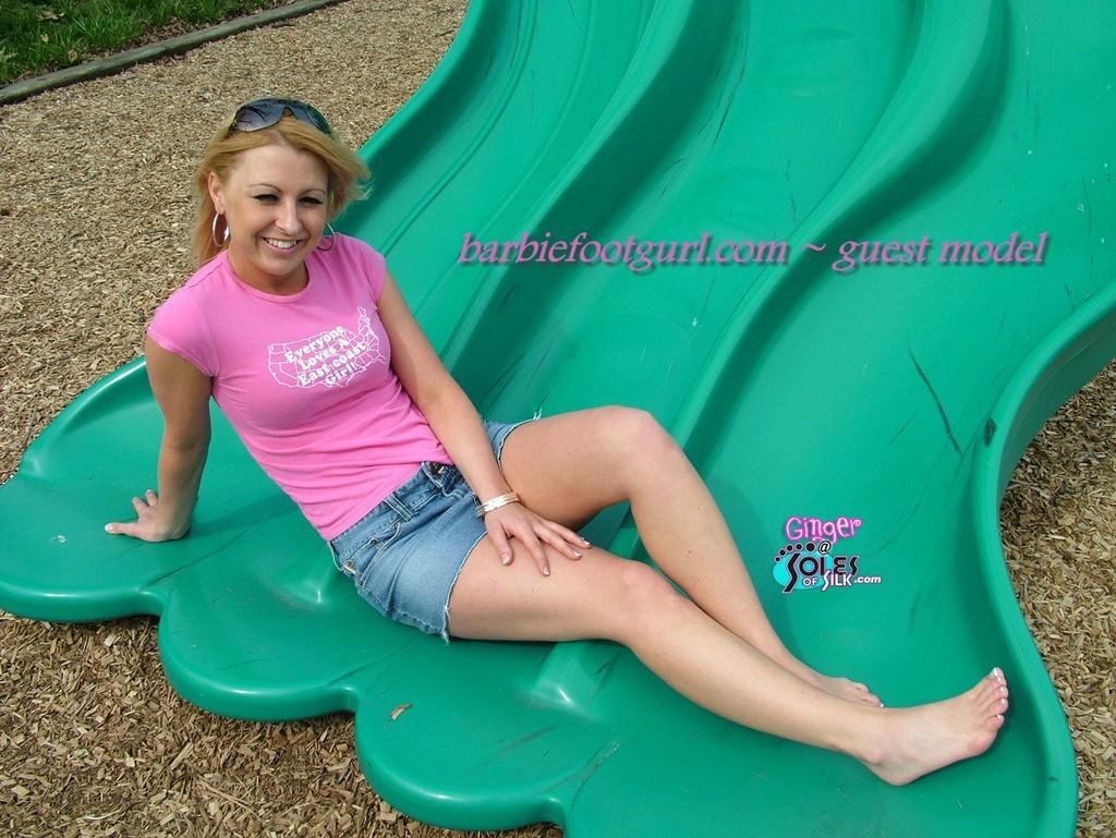 Barbie Foot Gurl Picture Sets